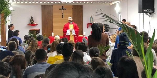 Entrevista al P Andrés Echevarría sobre el apostolado a los más necesitados en el Sodalicio - Noticias Sodálites Brasil (1)