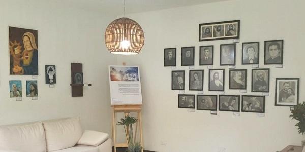 Exposición de arte Rostros de santidad del sodálite Álvaro Díaz - Noticias del Sodalicio (2)