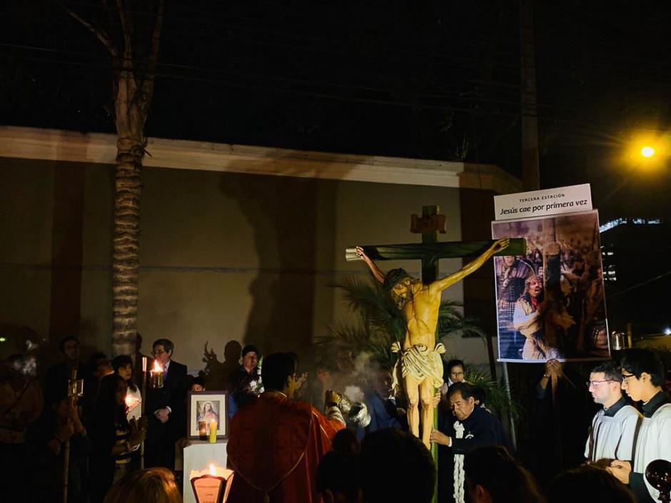 Via Crucis - Lima - Sodalicio de Vida Cristiana