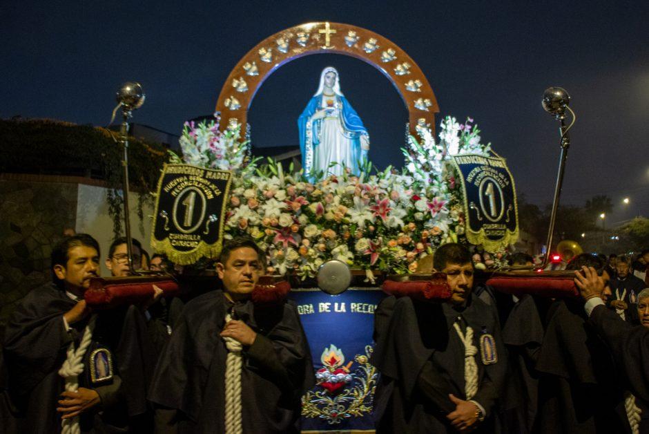 Homenaje del Sodalicio de Vida Cristiana a Nuestra Señora de la Reconciliación en Lima - Noticias Sodálites (1)