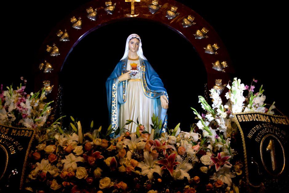 Homenaje del Sodalicio de Vida Cristiana a Nuestra Señora de la Reconciliación en Lima - Noticias Sodálites (2)