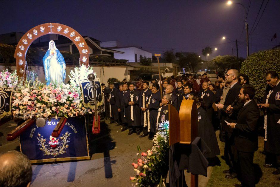 Homenaje del Sodalicio de Vida Cristiana a Nuestra Señora de la Reconciliación en Lima - Noticias Sodálites (3)