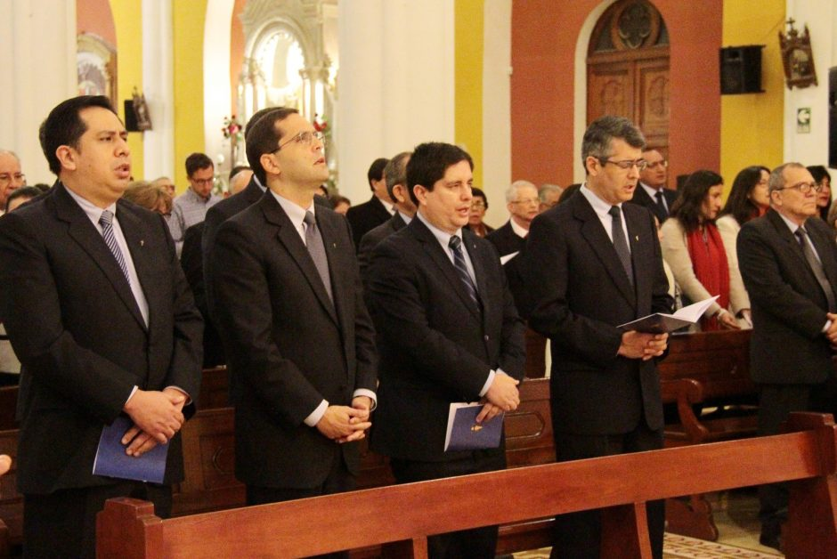 Ordenación Sacerdotal de Rafael Ismodes en Arequipa - Sodalicio de Vida Cristiana (1)