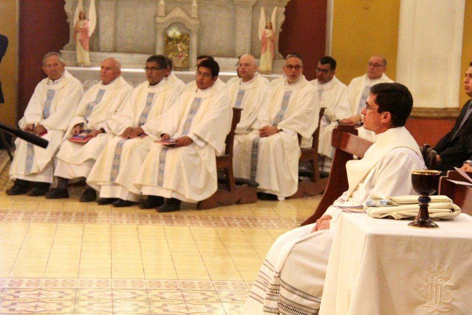 Ordenación Sacerdotal de Rafael Ismodes en Arequipa - Sodalicio de Vida Cristiana (2)