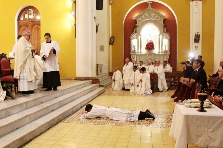 Ordenación Sacerdotal de Rafael Ismodes en Arequipa - Sodalicio de Vida Cristiana (4)