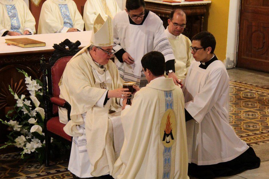 Ordenación Sacerdotal de Rafael Ismodes en Arequipa - Sodalicio de Vida Cristiana (9)