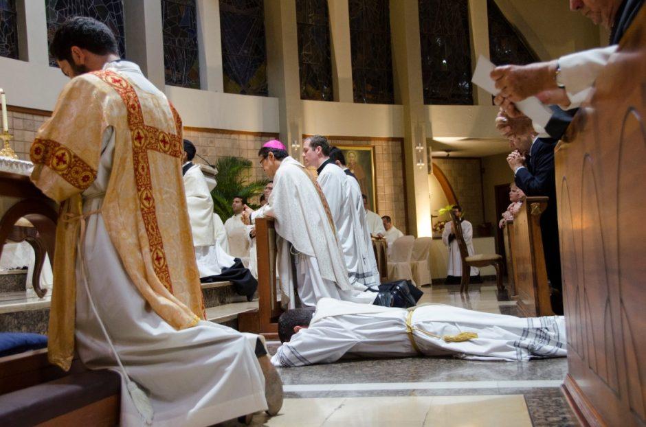 Ordenación sacerdotal de Luis Troya Holst en el Sodalicio de Vida Cristiana (10)