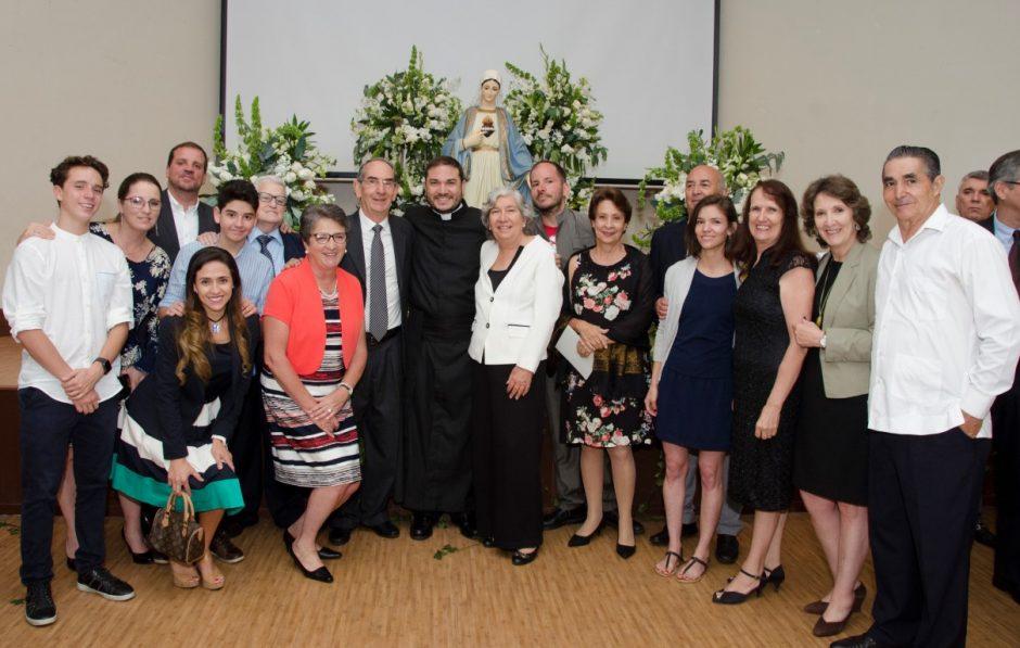 Ordenación sacerdotal de Luis Troya Holst en el Sodalicio de Vida Cristiana (11)
