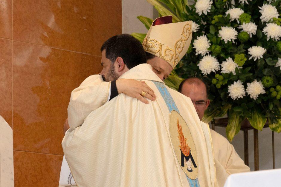 Ordenación sacerdotal de Juan David Velásquez del Sodalicio de Vida Cristiana en Colombia - Noticias Sodálites (11)