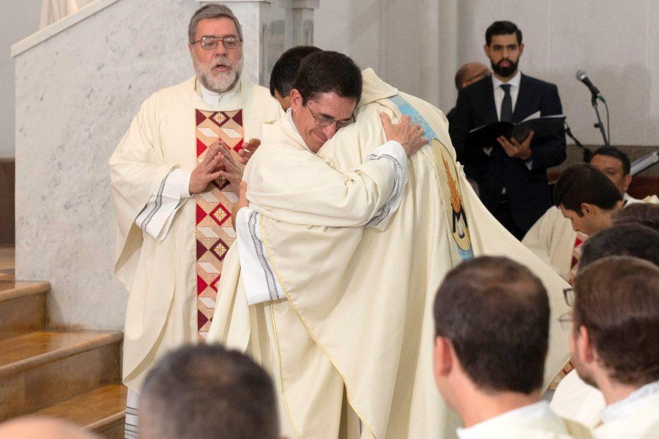 Ordenación sacerdotal de Juan David Velásquez del Sodalicio de Vida Cristiana en Colombia - Noticias Sodálites (13)