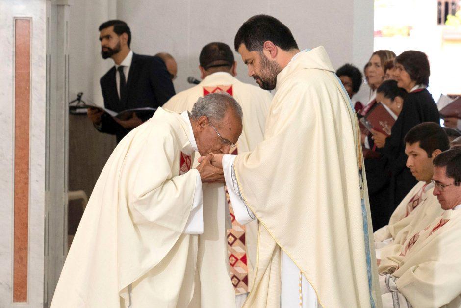 Ordenación sacerdotal de Juan David Velásquez del Sodalicio de Vida Cristiana en Colombia - Noticias Sodálites (14)