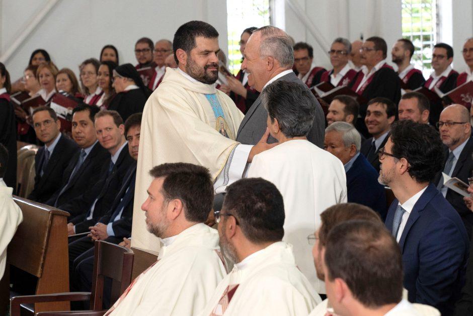 Ordenación sacerdotal de Juan David Velásquez del Sodalicio de Vida Cristiana en Colombia - Noticias Sodálites (15)