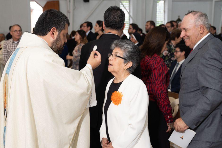 Ordenación sacerdotal de Juan David Velásquez del Sodalicio de Vida Cristiana en Colombia - Noticias Sodálites (23)