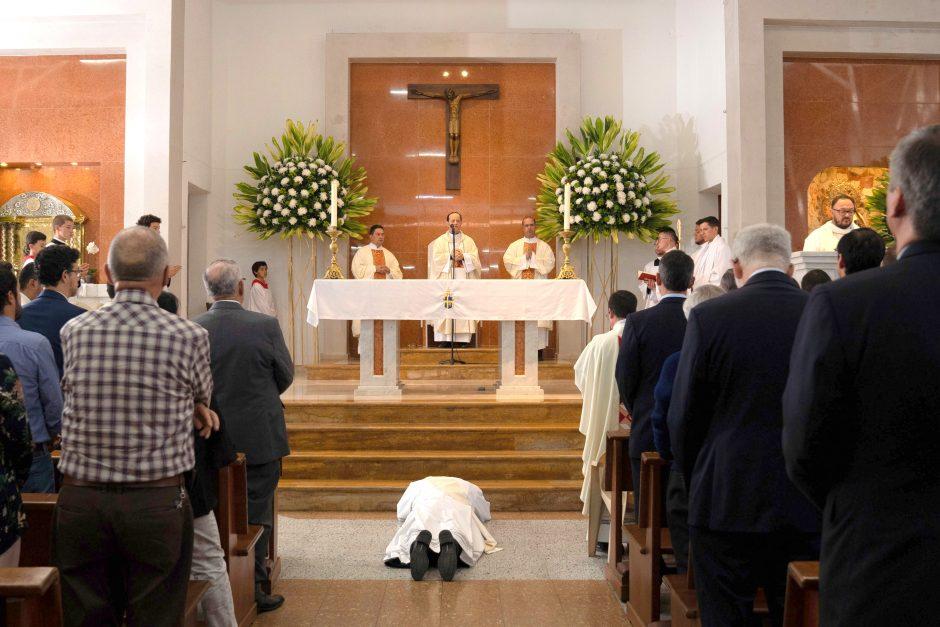 Ordenación sacerdotal de Juan David Velásquez del Sodalicio de Vida Cristiana en Colombia - Noticias Sodálites (3)