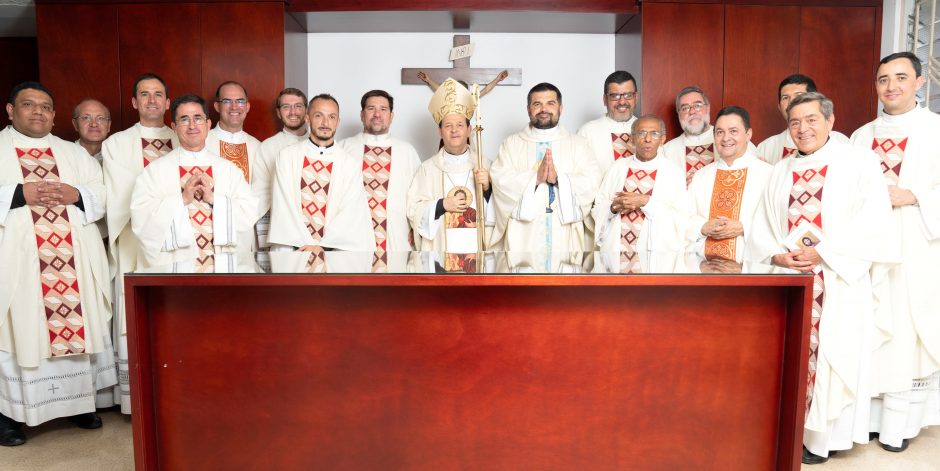 Ordenación sacerdotal de Juan David Velásquez del Sodalicio de Vida Cristiana en Colombia - Noticias Sodálites (30)