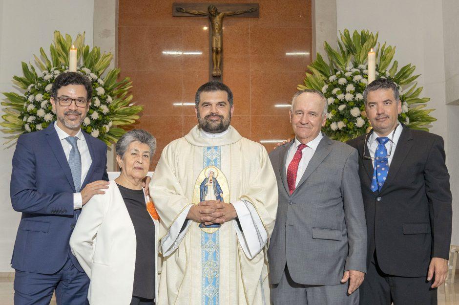 Ordenación sacerdotal de Juan David Velásquez del Sodalicio de Vida Cristiana en Colombia - Noticias Sodálites (33)