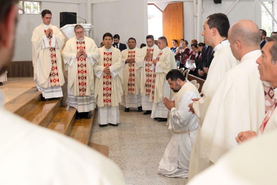 Ordenación sacerdotal de Juan David Velásquez del Sodalicio de Vida Cristiana en Colombia - Noticias Sodálites (6)