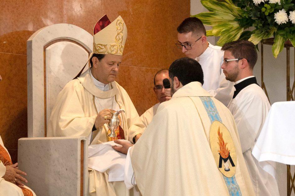 Ordenación sacerdotal de Juan David Velásquez del Sodalicio de Vida Cristiana en Colombia - Noticias Sodálites (8)
