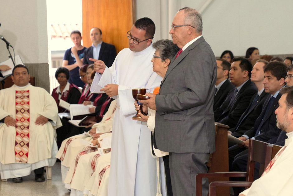 Ordenación sacerdotal de Juan David Velásquez del Sodalicio de Vida Cristiana en Colombia - Noticias Sodálites (9)