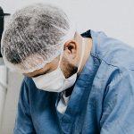 Somos médicos, pero también humanos, nos cansamos, sentimos miedo y esto es lo que queremos pedirte