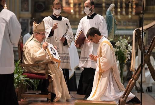 Ser ordenado diácono, regalo del Señor - José Miguel Montoya